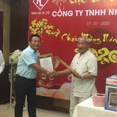 Trao chứng nhận ISO